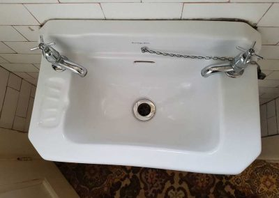 Bathroom hand basin (after steam cleaning)